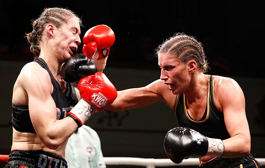 Nicole Boss gegen Delfine Persoon, Boxen, Fotograf Bern